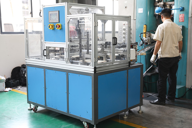 What is the process flow of powder metallurgy?